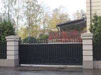 Сдвижные ворота комбинированная зашивка (ковка+профлист)